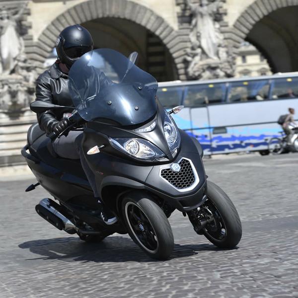 Piaggio-MP3-500-LT-ABS-ASR-Sport-001